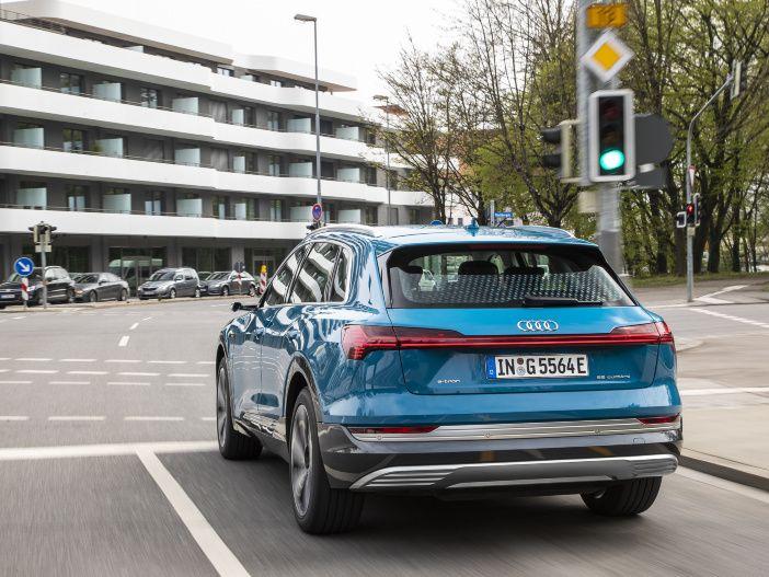 Auf der grünen Welle fahren: Audi bringt innovative Technologie nun auch nach Deutschland