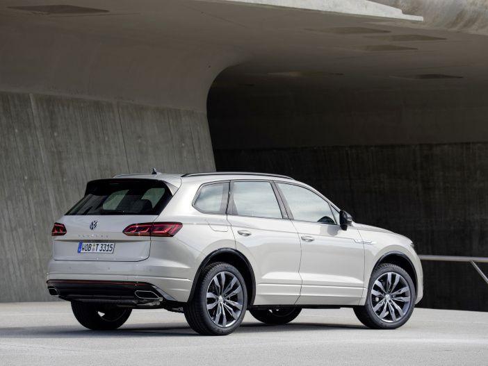 Auto Leasing - Edler Innenraum im SUV-Flaggschiff: Der neue VW Touareg One Million