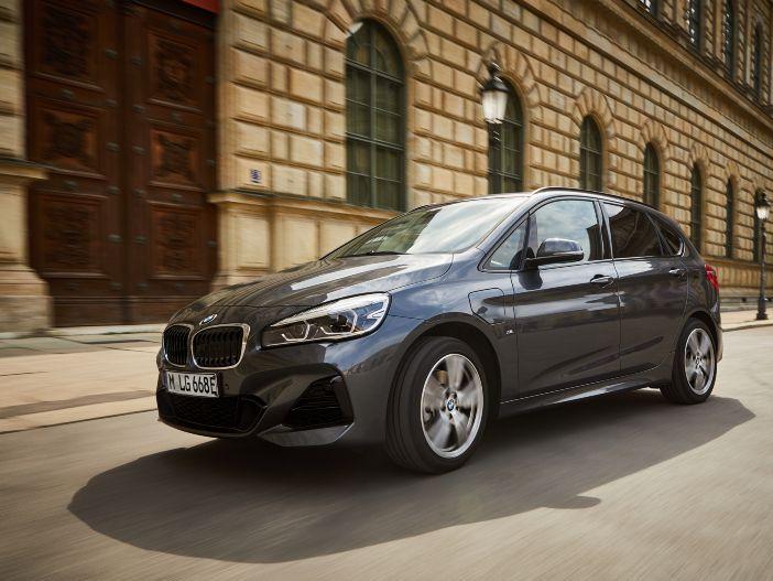 Mit mehr Reichweite besonders alltagstauglich: Der neue BMW 225xe Active Tourer