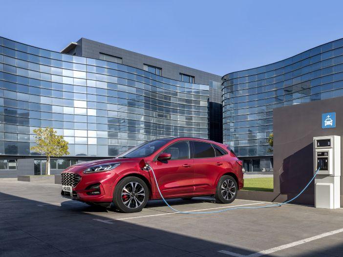 Auto Leasing - Schon in der Basis gut gerüstet: Die Ausstattungslinien für den neuen Ford Kuga