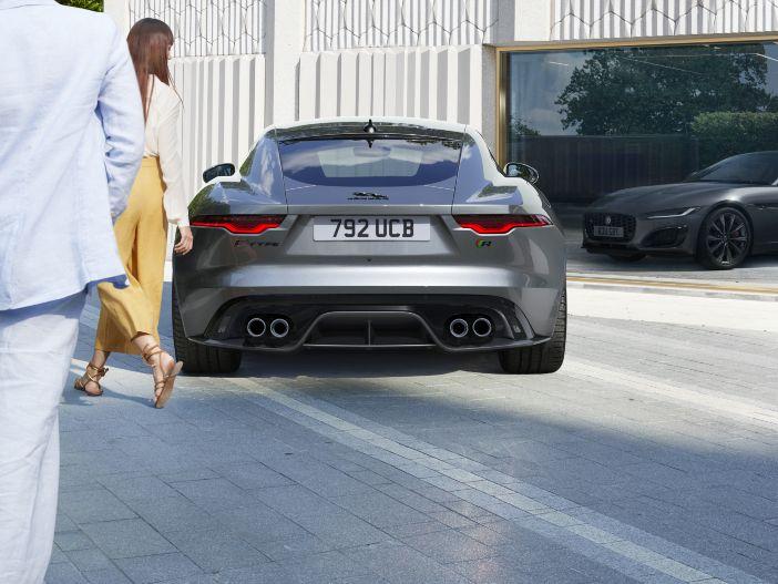 Scharf geschnittene Optik, neue V8-Motoren: Der neue Jaguar F-Type