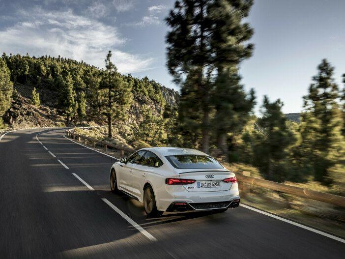 Neues Bedienkonzept, gewohnt hohe Leistung: Der aktualisierte Audi RS 5