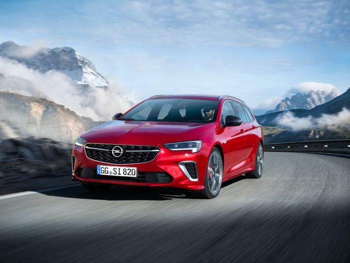 Sportliches Flaggschiff mit flexiblem Allradantrieb: Der neue Opel Insignia GSi
