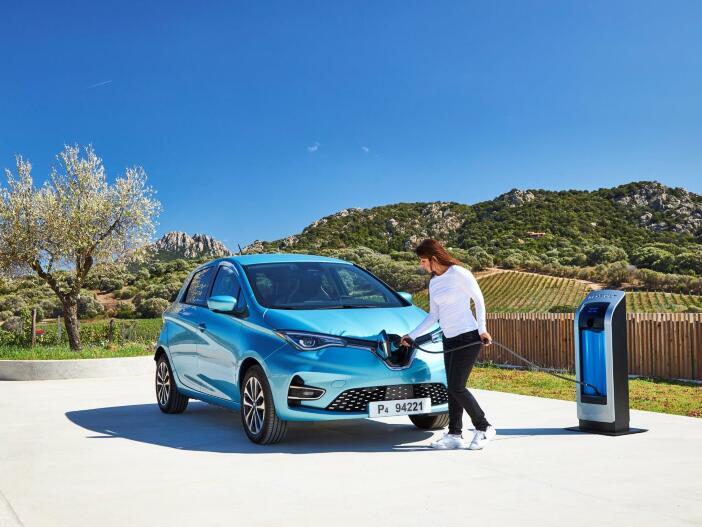 Aufladen per CCS und auf Wunsch mehr Reichweite: Der neue Renault Zoe