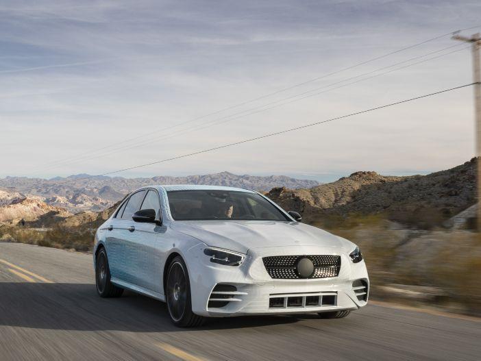 Auto Leasing - Innovative Neuerungen: Die überarbeitete Mercedes-Benz E-Klasse kommt Mitte 2020