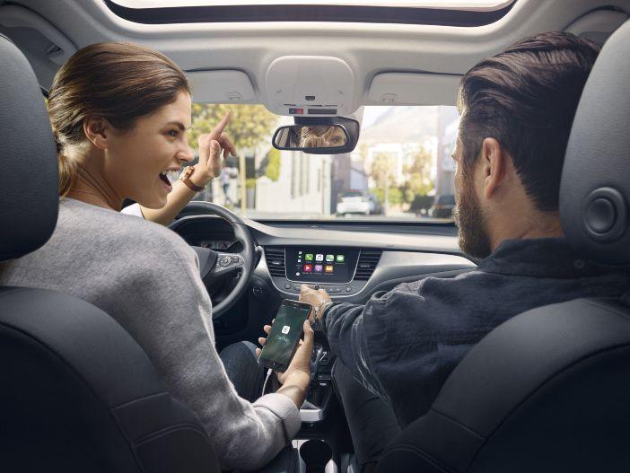 Maximale Konnektivität: Opel bietet weitere Funktionen für OpelConnect an