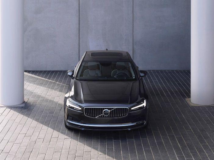 Hochwertige Ausstattung und Mild-Hybrid: Volvo aktualisiert die Modelle V90 und S90