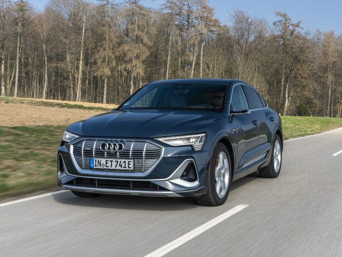 Hohe Reichweite, dynamische Optik: Der neue Audi e-tron Sportback