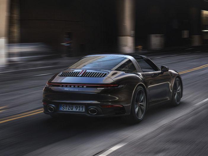 Mit charakteristischem Dach: Der neue Porsche 911 Targa