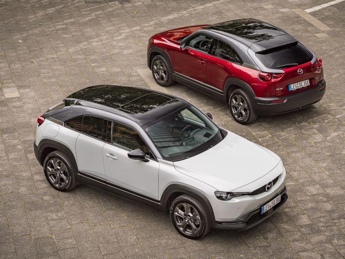 Schon in der Basisversion umfassend ausgestattet: Der neue Mazda MX-30