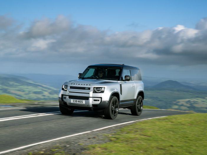 Auto Leasing - Plug-in-Hybrid und neue Diesel: Der Land Rover Defender wird vielfältiger