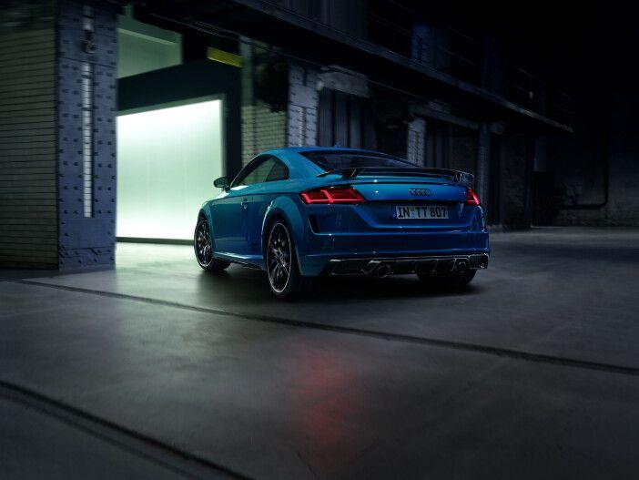 Auto Leasing - Cool und sportlich im dunklen Look: Der neue Audi TT 45 TFSI S line competition plus