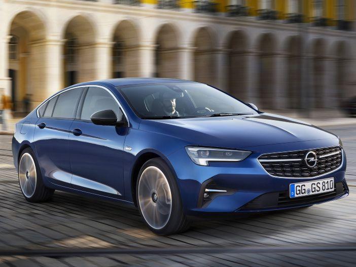 Neues unter der Haube: Zusätzliche Motorenkombinationen für den Opel Insignia