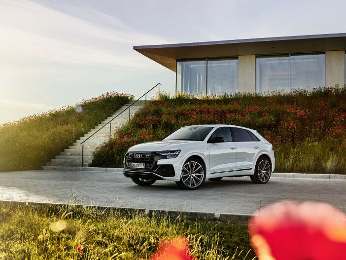 Auto Leasing - SUV-Coupé mit Hybrid-Antrieb: Der neue Audi Q8 TFSI e quattro