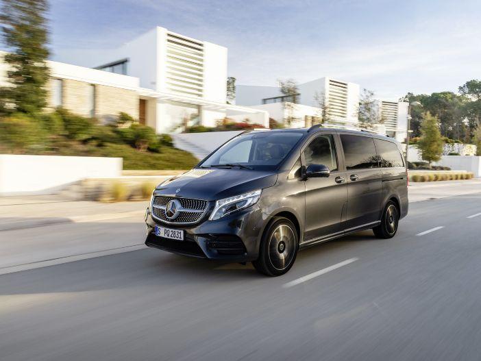 Auto Leasing - Großraumlimousine mit Extra-Komfort: Die Mercedes V-Klasse gibt es jetzt auch mit Luftfederung