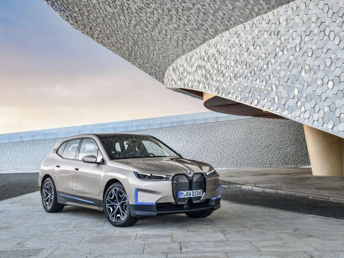 Elektroauto einer neuen Generation: Der neue BMW iX