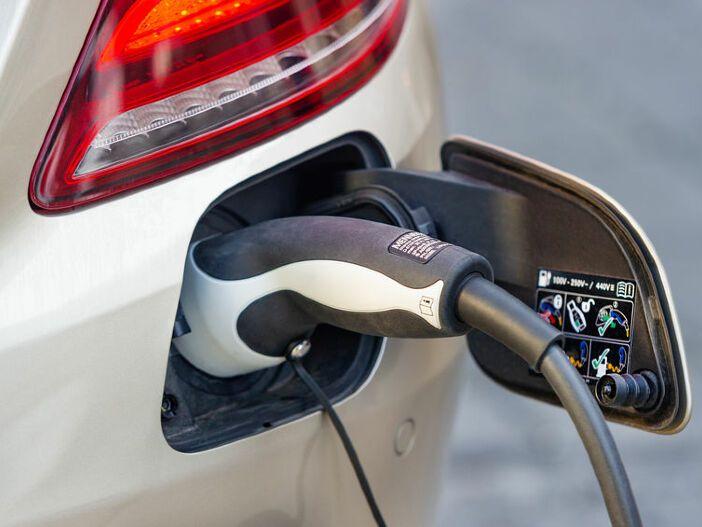 Auto Leasing - Anpassung der Förderung für Elektroautos und Plug-in-Hybride: Auf was man bei Leasingverträgen jetzt achten sollte