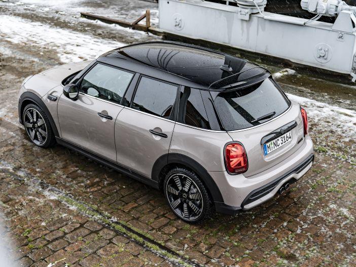 Auto Leasing - Weiter aufgewertet: Mini überarbeitet den Mini Fünftürer
