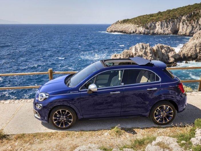Auto Leasing - Großes Stoffdach und maritimes Flair: Der neue Fiat 500X Yachting