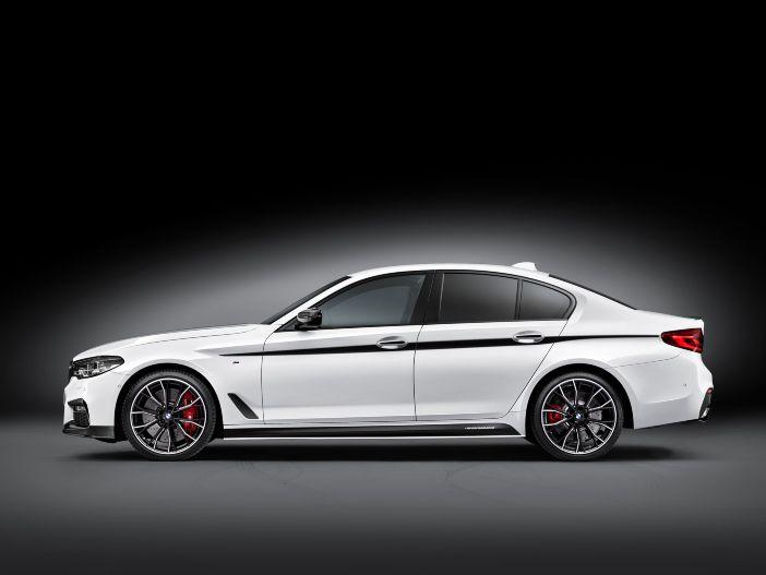 BMW stellt M Performance Zubehör für die neue 5er Limousine vor