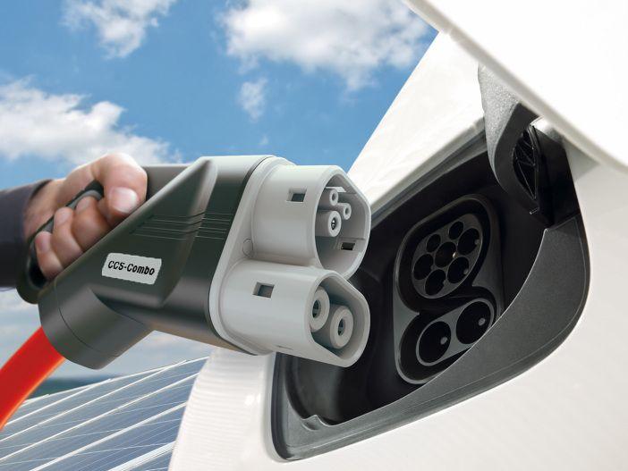 Hochleistungsladenetz an den Autobahnen: Fahrzeughersteller planen schnelle E-Auto-Infrastruktur