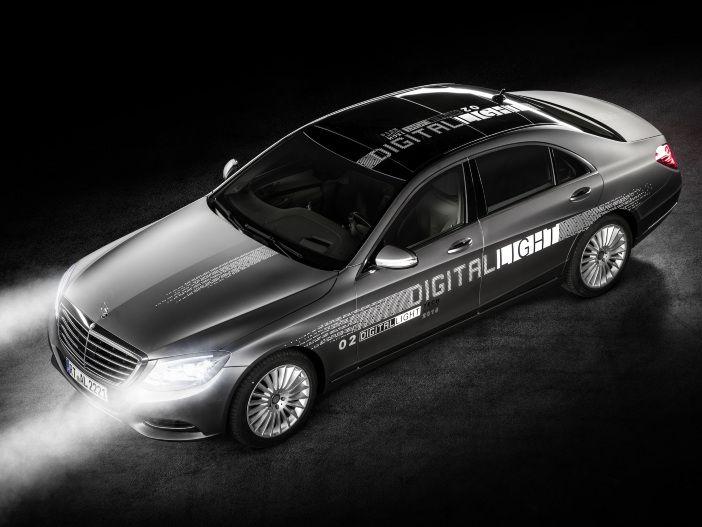DIGITAL LIGHT: Mercedes beleuchtet die Zukunft der Scheinwerfer