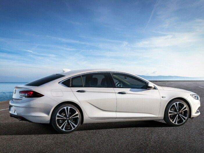 Opel präsentiert den neuen Insignia Grand Sport