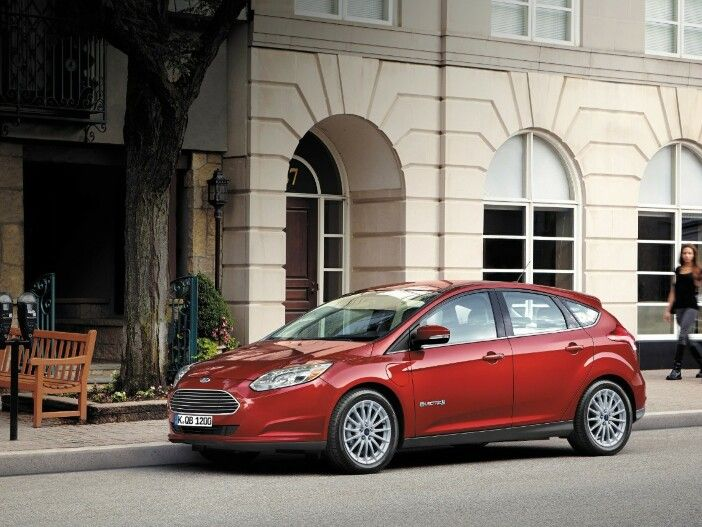 Mehr Reichweite, kürzere Ladezeit: Ford verbessert den Focus Electric