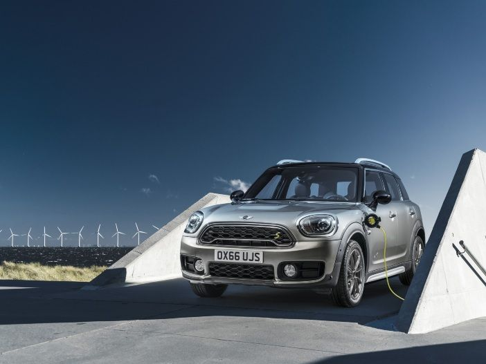 Hybrid-MINI: Der neue MINI Cooper S E Countryman ALL4