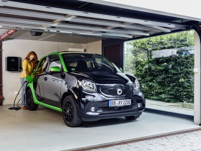 Clevere Elektro-Flitzer: smart fortwo und forfour electric drive