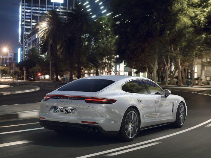 Hybrid extrem: Der neue Porsche Panamera Turbo S E-Hybrid
