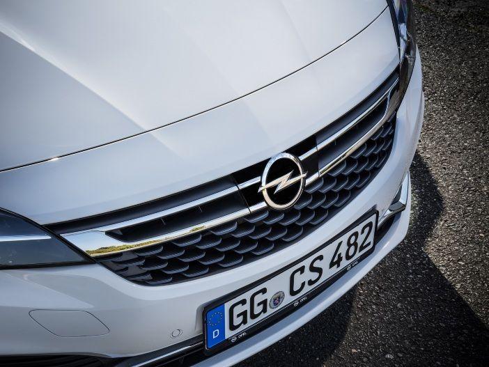 Entspannt und sicher: Der neue adaptive Geschwindigkeitsregler im Opel Astra
