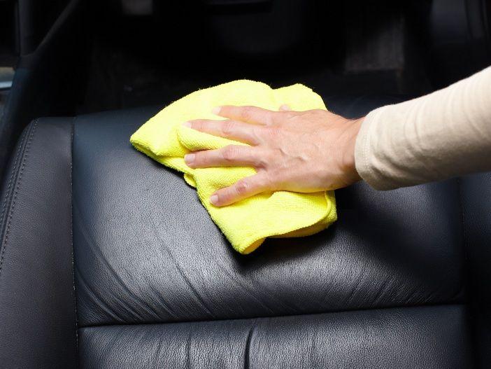 Damit Ihre Sitze geschmeidig bleiben: Ledersitze richtig pflegen