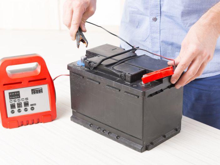 Autobatterie - Neuer Saft per Ladegerät