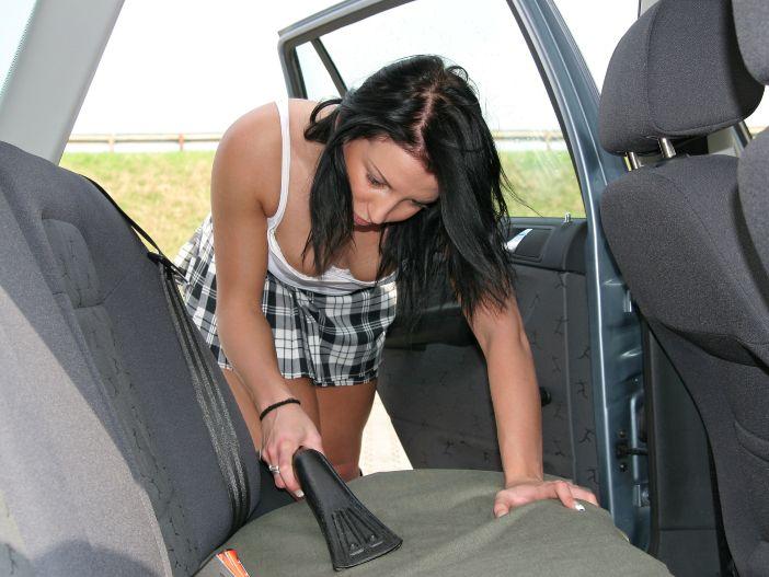 So machen Sie Ihr Auto innen richtig sauber