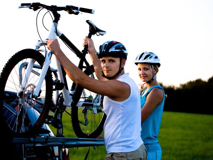 Das Fahrrad mit dabei: Wissenswertes rund um Fahrradträger fürs Auto