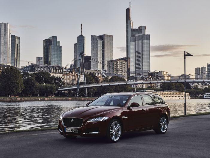 Groß-Katze für Business und Freizeit: Der neue Jaguar XF Sportbrake