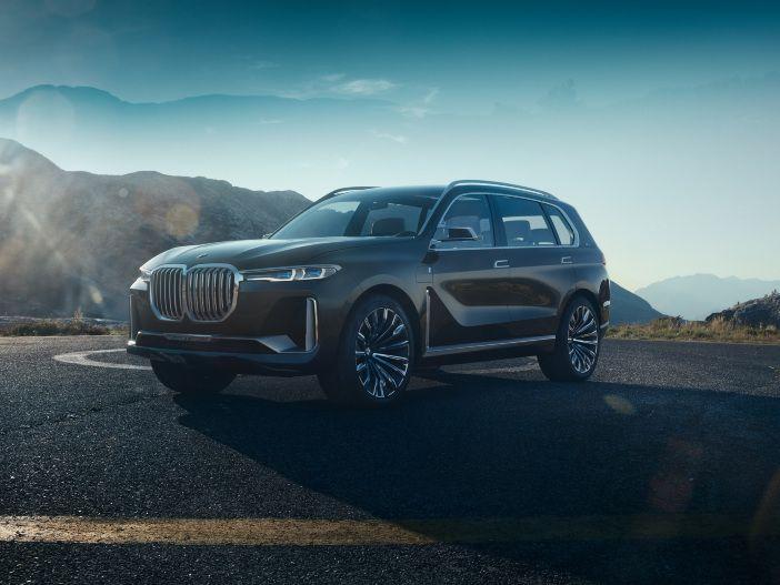 Premium-SUV mit Platz für 6: Der BMW Concept X7 iPerformance