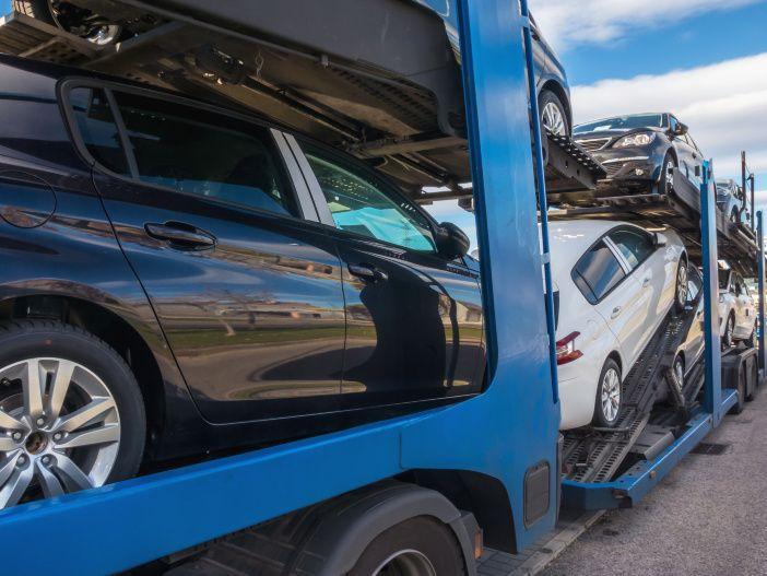 Die Überführung: Zusatzkosten beim Autokauf