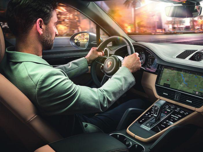 Voll digital: Der neue Porsche Cayenne glänzt durch umfassende Vernetzung