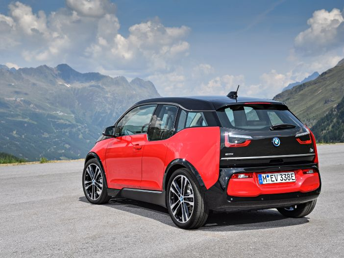 Elektro meets Sport: Der neue BMW i3s