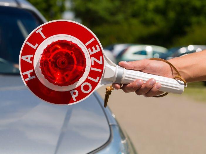 So sollten sich Autofahrer bei einer Polizeikontrolle verhalten