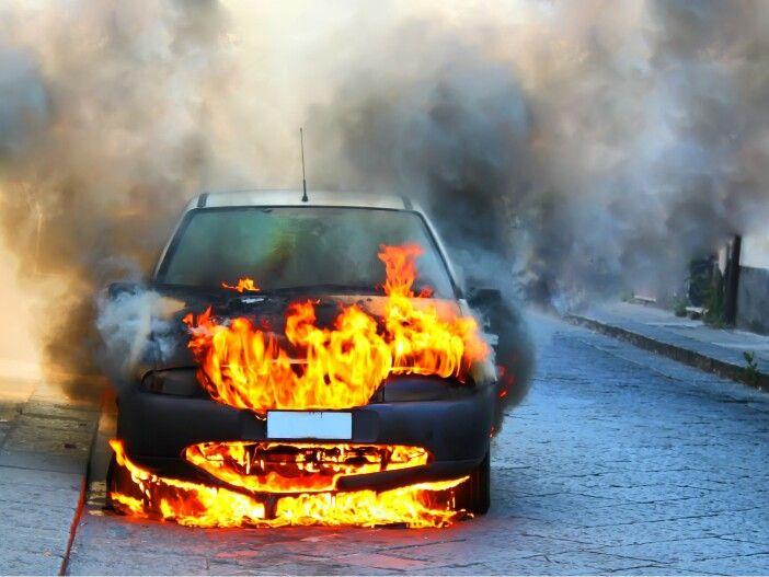 Achtung, Feuer! Wenn das Auto brennt
