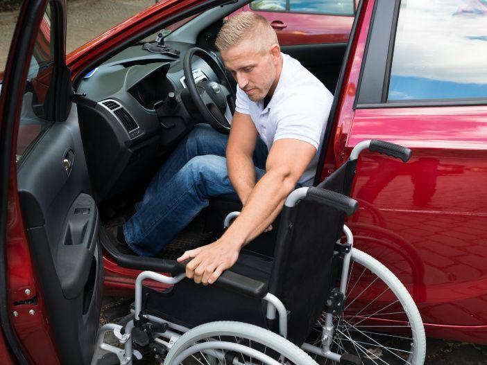 Autofahren mit Handicap: Diese Möglichkeiten gibt es für Menschen mit Behinderung