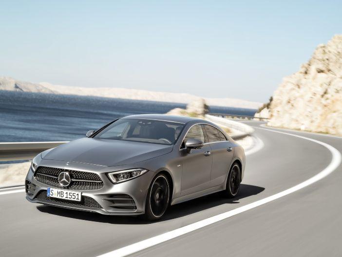Auto Leasing - Mercedes modernisiert sein viertüriges Luxus-Coupé: Der neue CLS