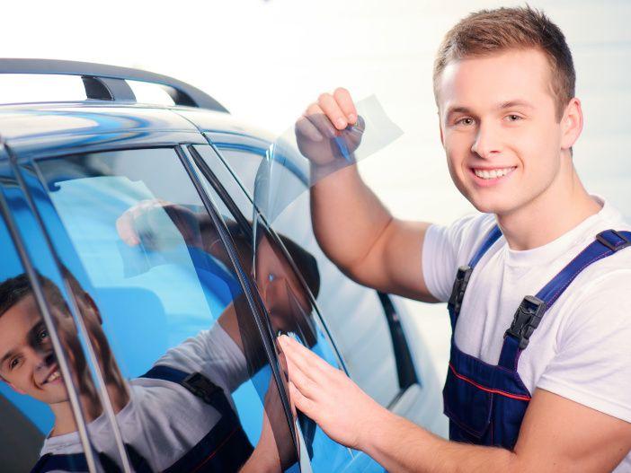 Geschützter Durchblick: Sicherheitsfolie für die Autoscheiben