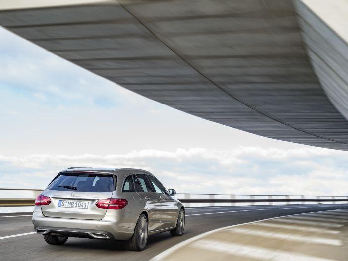 Im Cockpit voll digital: Die neue C-Klasse von Mercedes-Benz