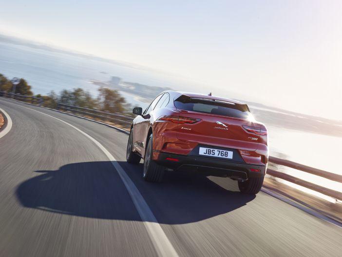 Raubkatze auf leisen Elektro-Sohlen: Der neue Jaguar I-PACE