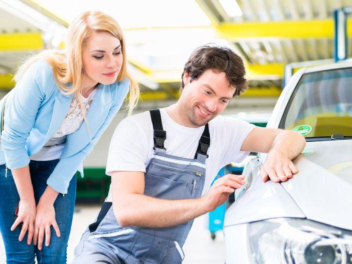 Steinschlag am Fahrzeug - So vermeiden Sie Rostansatz