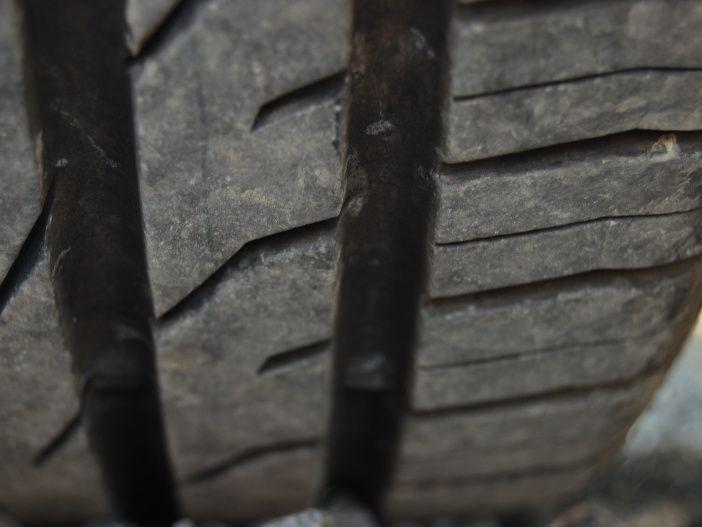 Breite Reifen: Vorteile und Nachteile